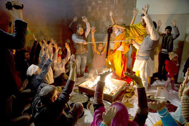 Tempio-Hari-om-Mandir-8-marzo2014–PegognagaMN (9)