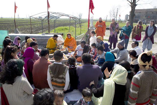 Tempio Nav durga Mandir - 9 marzo 2014 - POLESINE PARMENSE (12)