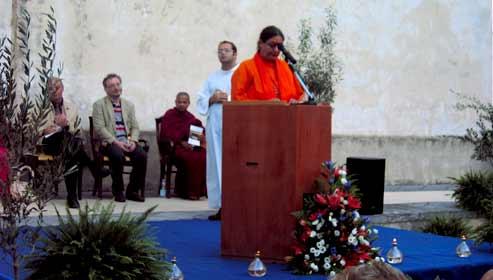 dialogo inttereligioso monaca induista